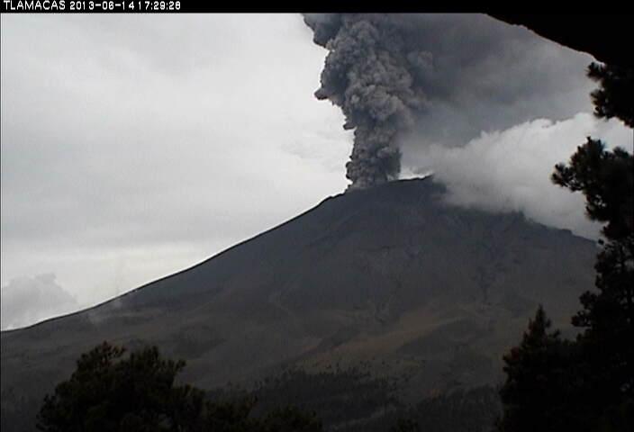 Eruption plume from Popocatepétl yesterday