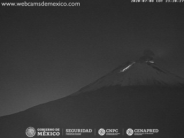 Incandescence from the summit crater Popocatépetl volcano (image: CENAPRED)