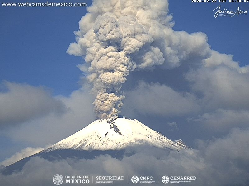 Powerful explosion from Popocatépetl volcano yesterday (image: CENAPRED)