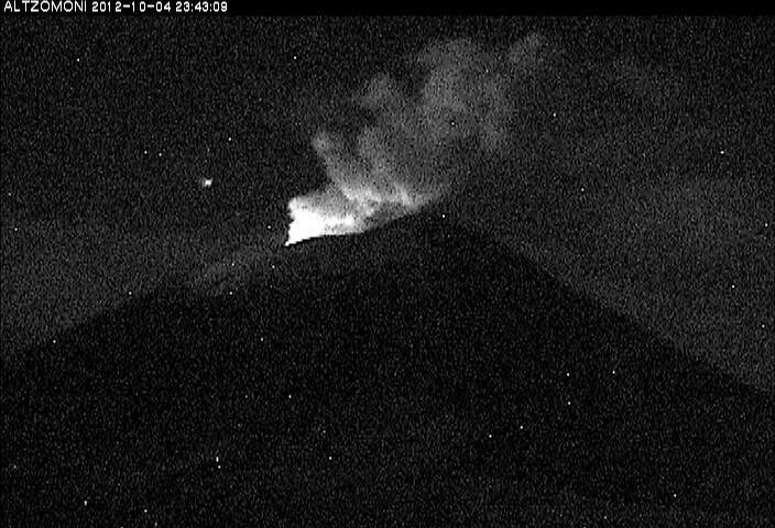 Night time glow at Popocatépetl