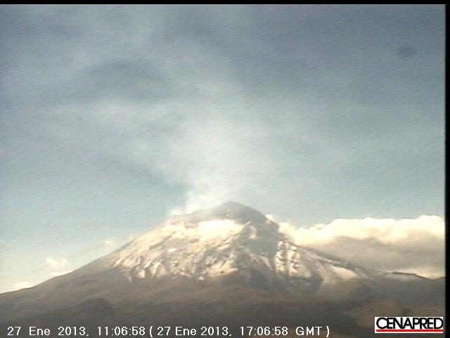 Degassing from Popo seen on the currrent webcam image