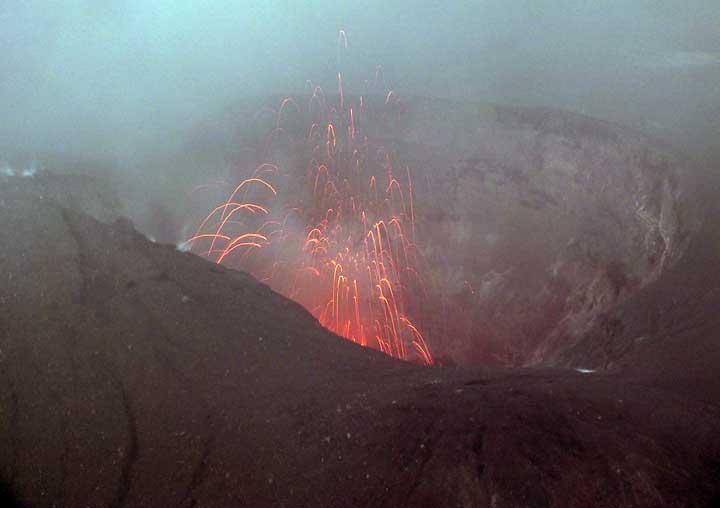 Strombolian activity from Raung volcano (photo: Galih)