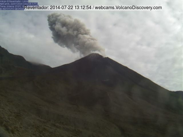 Small ash emission at Reventador yesterday