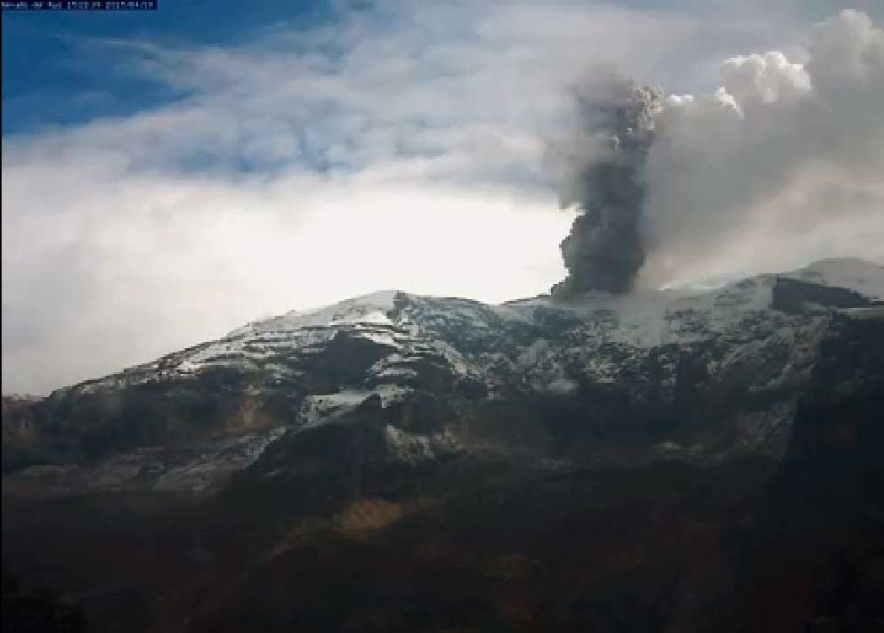 Ash plume from Nevado del Ruiz Monday afternoon (INGEOMINAS)