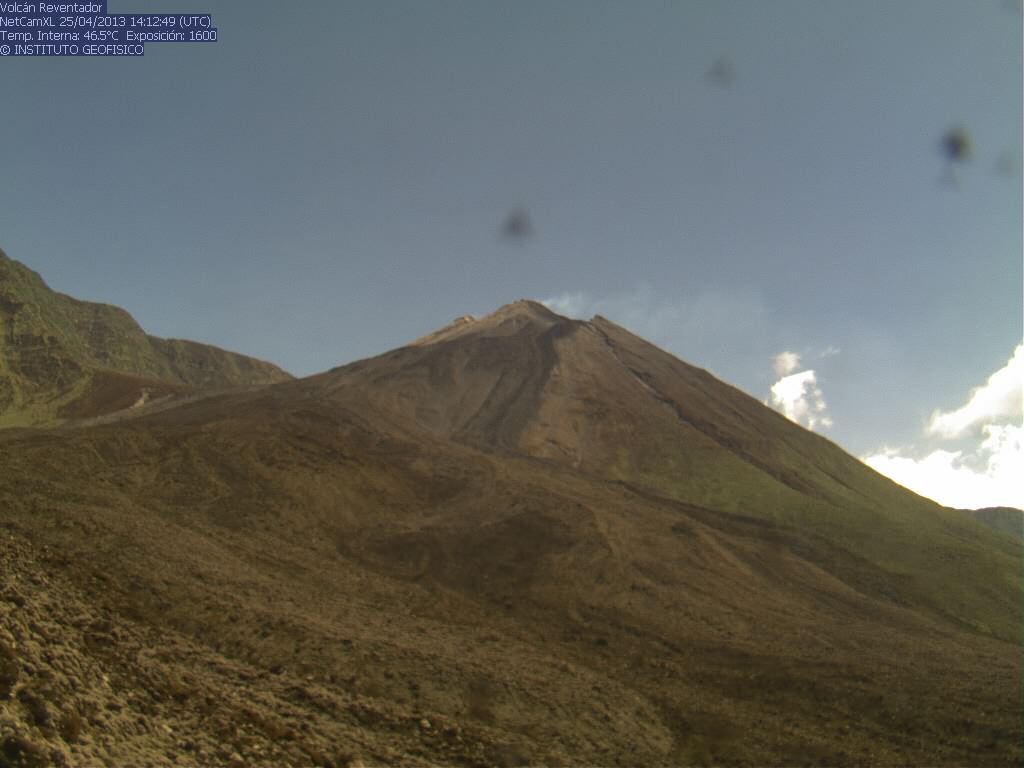Unusual clear view of Reventador volcano today (IG webcam)