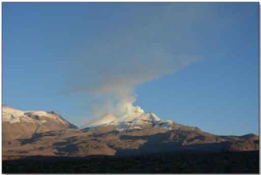 Degassing from Sabancaya volcano last week (IGP)