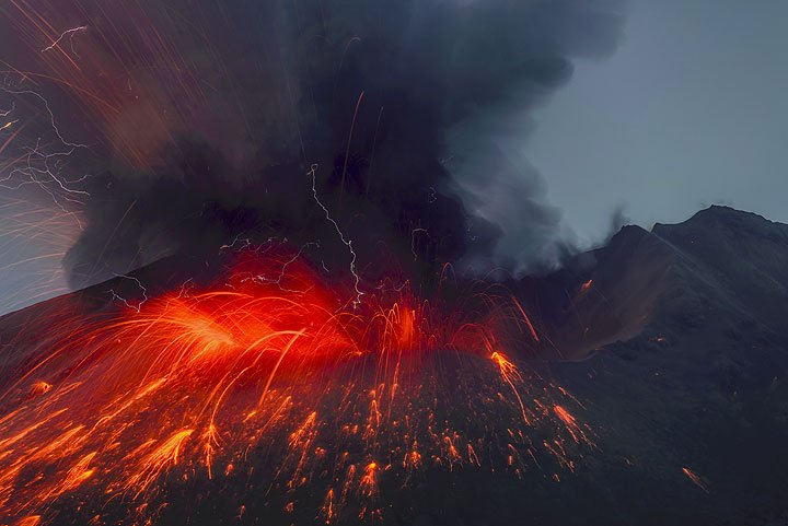 Explosion with lightnings from Sakurajima at 20:02 on 21 July