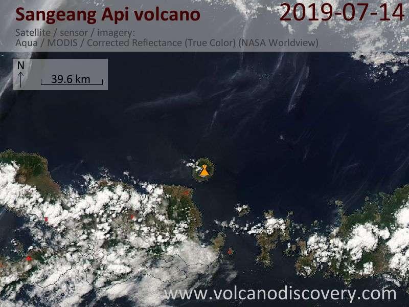 Satellitenbild des Sangeang Api Vulkans am 15 Jul 2019