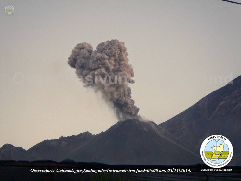 Ash plume from an explosion at Santiaguito on 3 Nov 2014