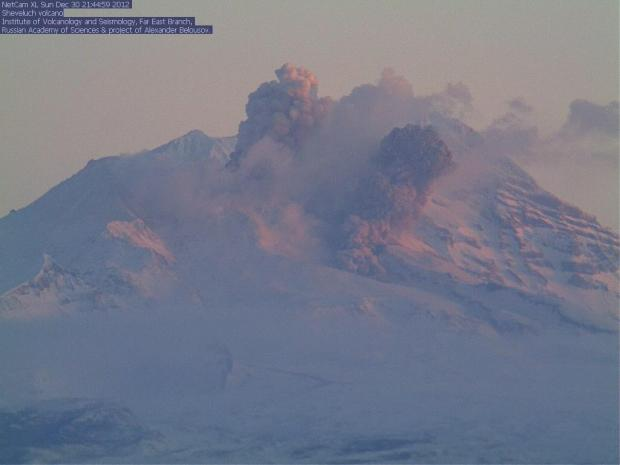 Small pyroclastic flow from Shiveluch on 30 Dec 2012