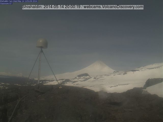 Shishaldin volcano yesterday evening (AVO webcam)