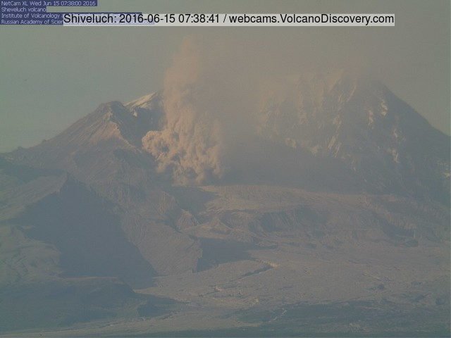 Small pyroclastic flow at Shiveluch volcano yesterday morning (KVERT webcam)