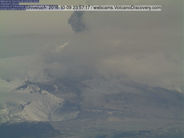 Ash plume from an explosion at Shiveluch this morning (Kamchatka time)
