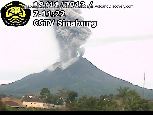 Explosion at Sinabung this morning