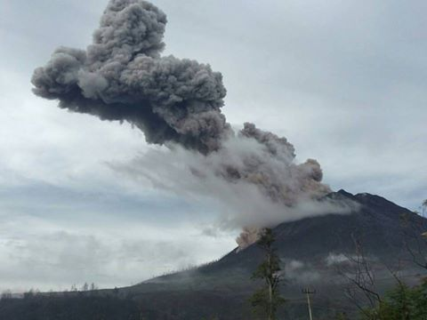 Eruption of Sinabung this morning at 07:46 local time (image: PVMBG)