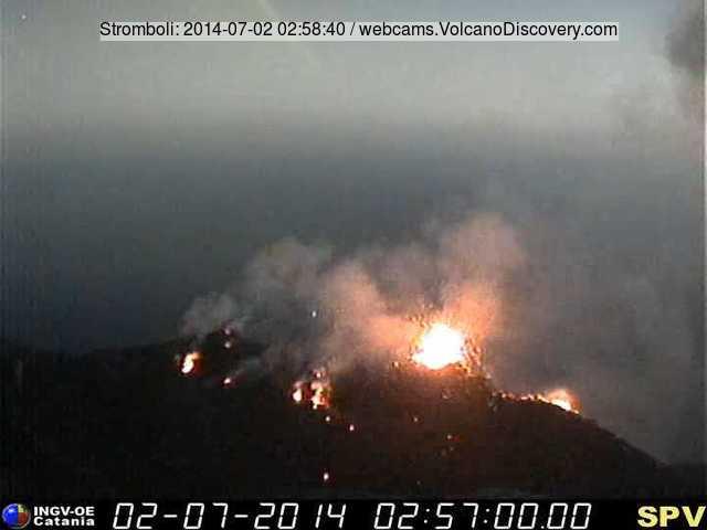 De krater terras van Stromboli vanmorgen (Pizzo webcam, INGV Catania).
