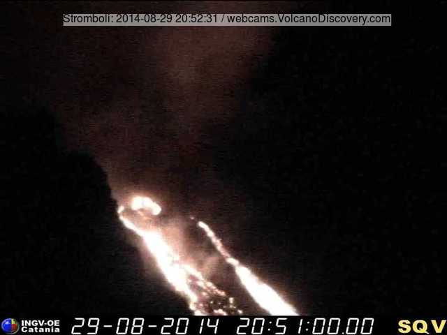 Lava flows on the Sciara del Fuoco last evening