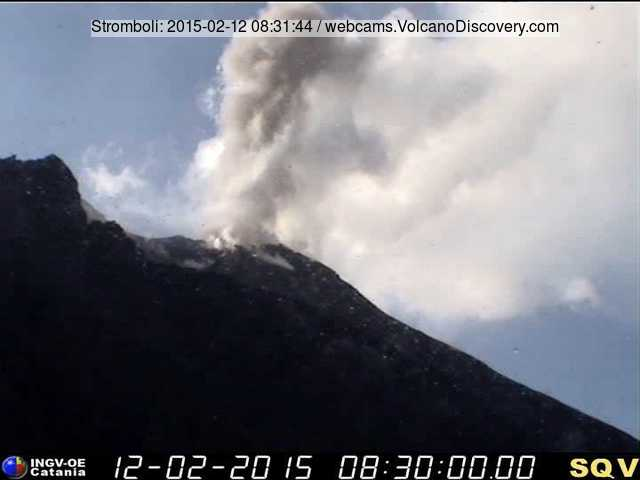Ash plume from a strombolian explosion at Stromboli this afternoon