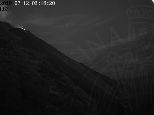 Stromboli seen this morning from the Punta Labronzo (image: LGS webcam)