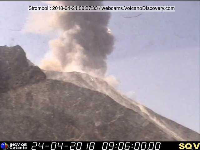 Explosion at Stromboli yesterday morning (image: INGV Catania webcam)