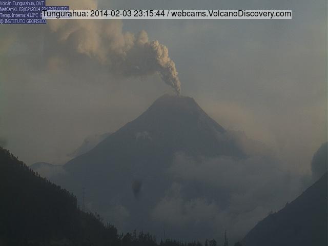 Ash column rising from Tungurahua this morning