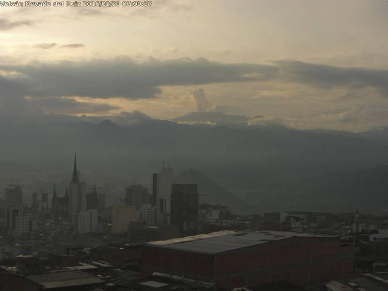 Morning view of Nevado del Ruiz volcano from Manizales town (SGC webcam)