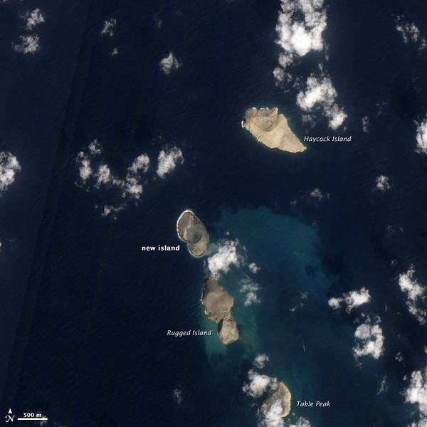 The new island seen on January 15, 2012 (NASA Earth Obbservatory)